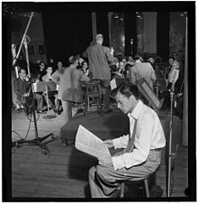 (Portrait_of_Frank_Sinatra_and_Axel_Stordahl,_Liederkrantz_Hall,_New_York,_N.Y.,_ca._1947)_(LOC)_(4843758568)